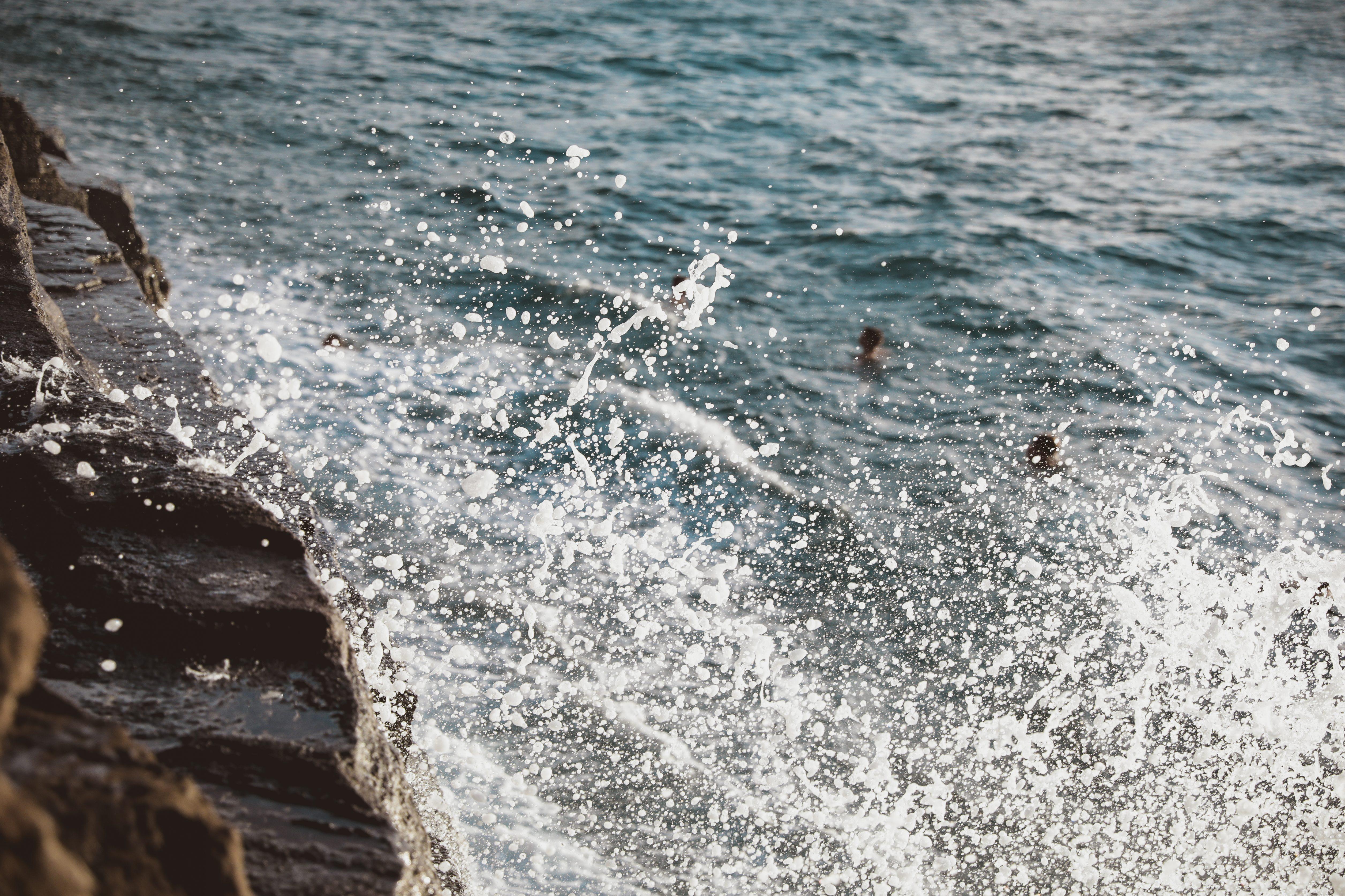 Waves at China Walls Oahu