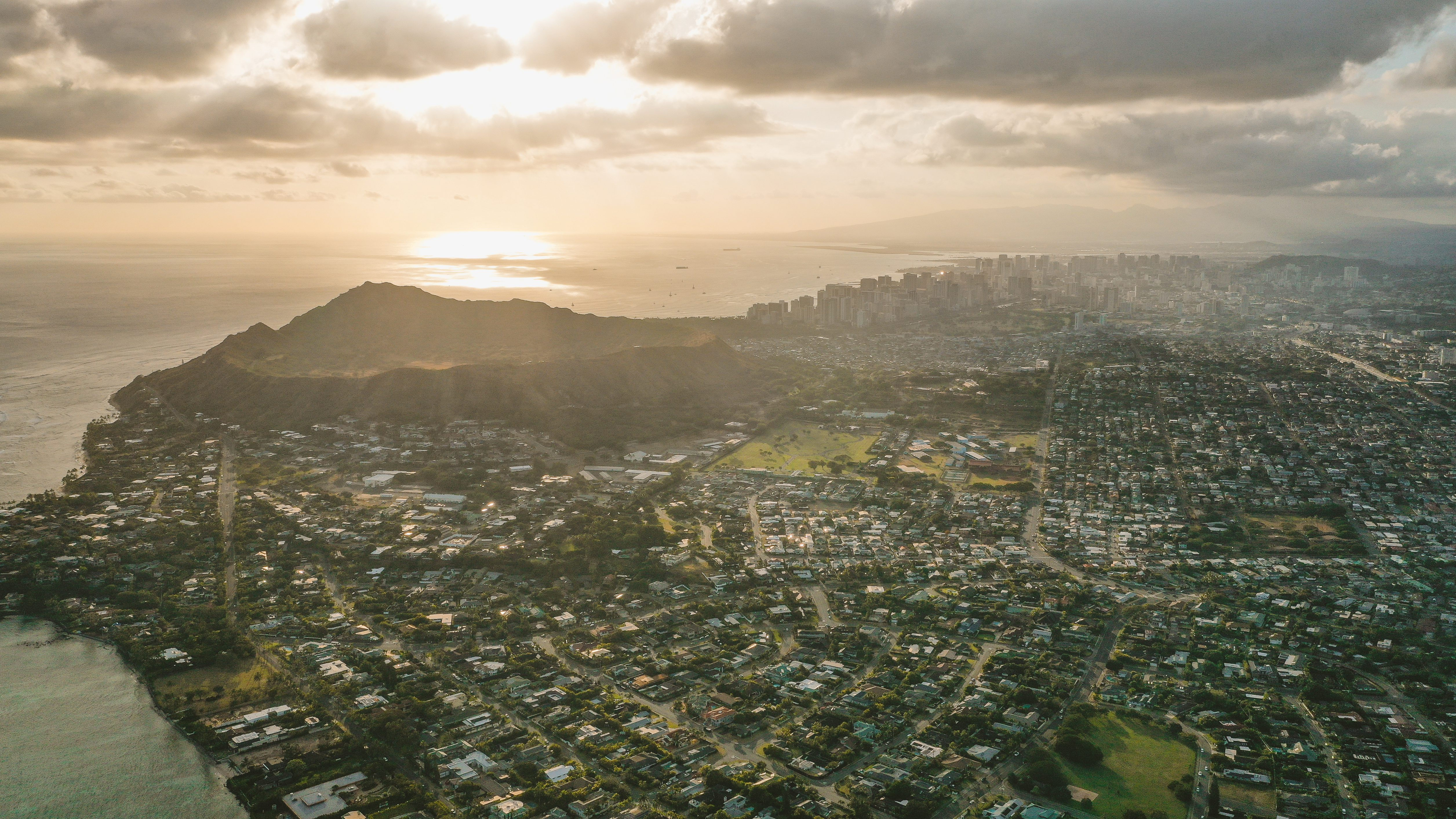 Diamond Head to Downtown Honolulu